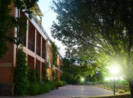 Avenue Park Hotel, Yusufkhona