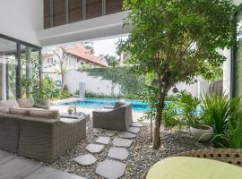 Full Services Luxury Villa with Pool and BBQ, Ho Chi Minh