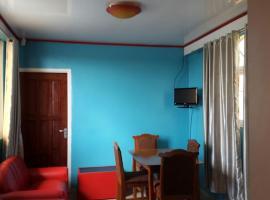 Splendora Apartment, Flora