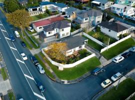 Hillcrest Central Premium Modern Refurbished 2 Bdrm Lodge, Auckland