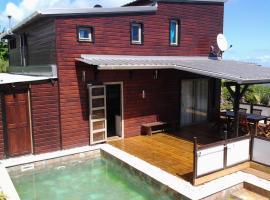 Villa en bois avec piscine chauffée, Saint-Leu