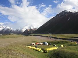 Lenin Peak Base Camp, Dzhangyshaar