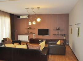 Luxury apartment with city view, Баку