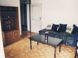 Lovely home for big group, Tuzla