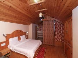 OYO 13696 Home 3BHK River Side Cottage Manali, Manāli