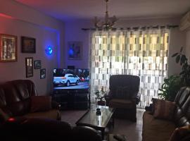 Superb Location - Simple Apartment, Tiranë