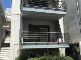Il Mondo Apartments, Stavrós