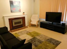 Cozy House in Ryde with FREE WiFi and Parking, 悉尼