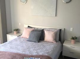 Dampier House Mullaloo-Perth, Перт