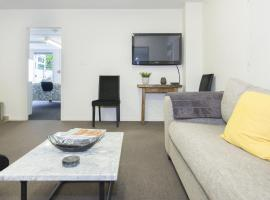 Stylish in Strandon - Great Value Apartment, New Plymouth