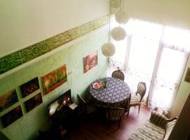 Двухуровневая квартира в центре, Batumi