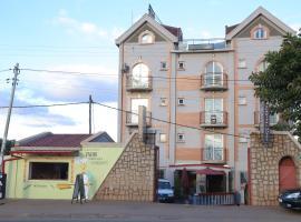 Scaritel Hotel, Ivato