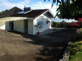 Tahiti Bungalow, Punaauia