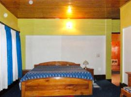 2-BR homestay in Darjeeling, by GuestHouser 21463, Kalimpong
