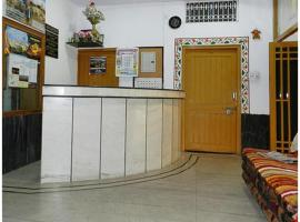 Comfortable Rooms in Hathipole, Udaipur