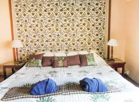 Apartment room in Dharamkot, by GuestHouser 17743, Dharamshala