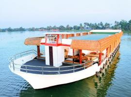 8-BR houseboat in Alappuzha, by GuestHouser 9618, Alleppey