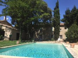 Accent Immobilier Joli Mas wifi piscine, Saint-Étienne-du-Grès