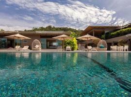 Villa Tropical, Layan Beach