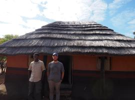 Chisuma Village Hut, Victoria Falls
