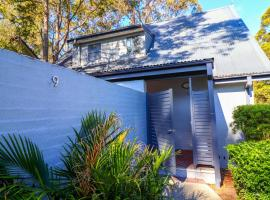 Eucalypt Deluxe Family Resort Cottage, Cams Wharf