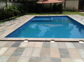 Bungalow for a group in Lonavala, by GuestHouser 63483, Lonavala
