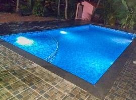 Apartment with a pool in Colva, Goa, by GuestHouser 64342, Colva