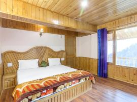 Boutique stay with an alpine view in Manali, by GuestHouser 41257, Manāli