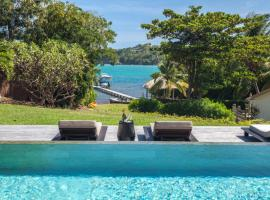Luxury waterfront villa with swimming pool, Le François