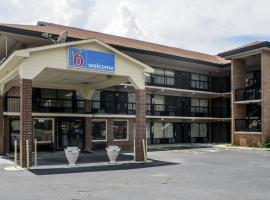 Motel 6 Macon, Macon