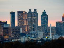 Midtown Smart Condo w/SELF CHECK-IN, Atlanta