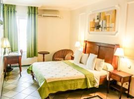 Tchero Hotel, Douala