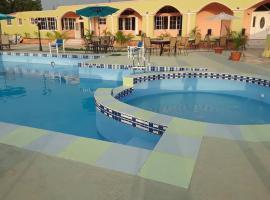 Extravaganza Resort Hotel, Laury