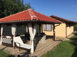Villa D&S, Ahtopol
