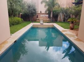 villa avec piscine privée a golf el maaden marrakech, Marrakech