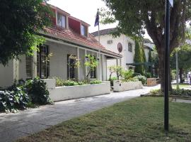 Charming Federation style home minutes from CBD, Перт