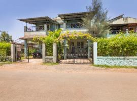Well-appointed 2-BR bungalow for a large group, Lonavala