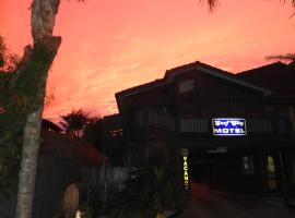 Surf City Motel, Torquay
