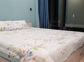 Luxury 2 br apartment downtown Hochiminh City (Vinhomes Golden River), Ho Chi Minh