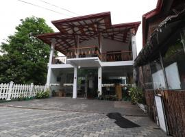 Yoho Pawra Wood Inn, Kandy