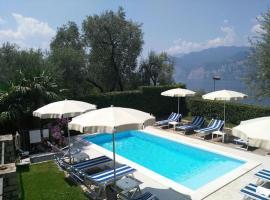 Ferienhause mit Pool Malcesine, Мальчезине