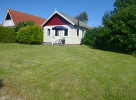 4 pers. holiday home close to the National Park Lauwersmeer, Anjum
