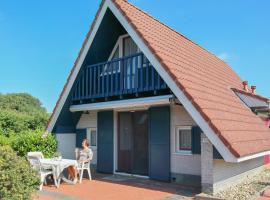 6 pers. house on a typical dutch gracht, close to the National Park Lauwersmeer, Anjum