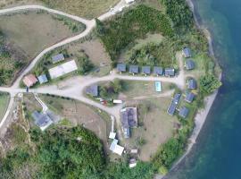 Refugio Costa Llau-Llao, Castro