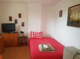 Sunny apartment with garden view, Belgrad