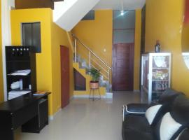 Hostal Industrial, Cajamarca