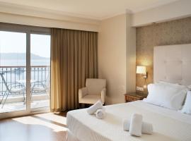 Karalis City Hotel, Pílos