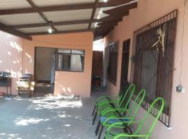Bonita Casa Independiente, Santa Cruz de la Sierra