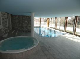 Luxury Apartment, Panoramic Mountain Views, 5* Spa Facilities - 4 Bedroom, Chateau-d'Oex