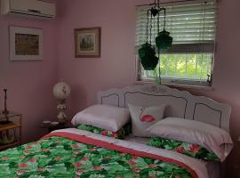 Bajamar Bed n Breakfast, Freeport